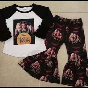 Boutique Hocus Pocus Bell Set